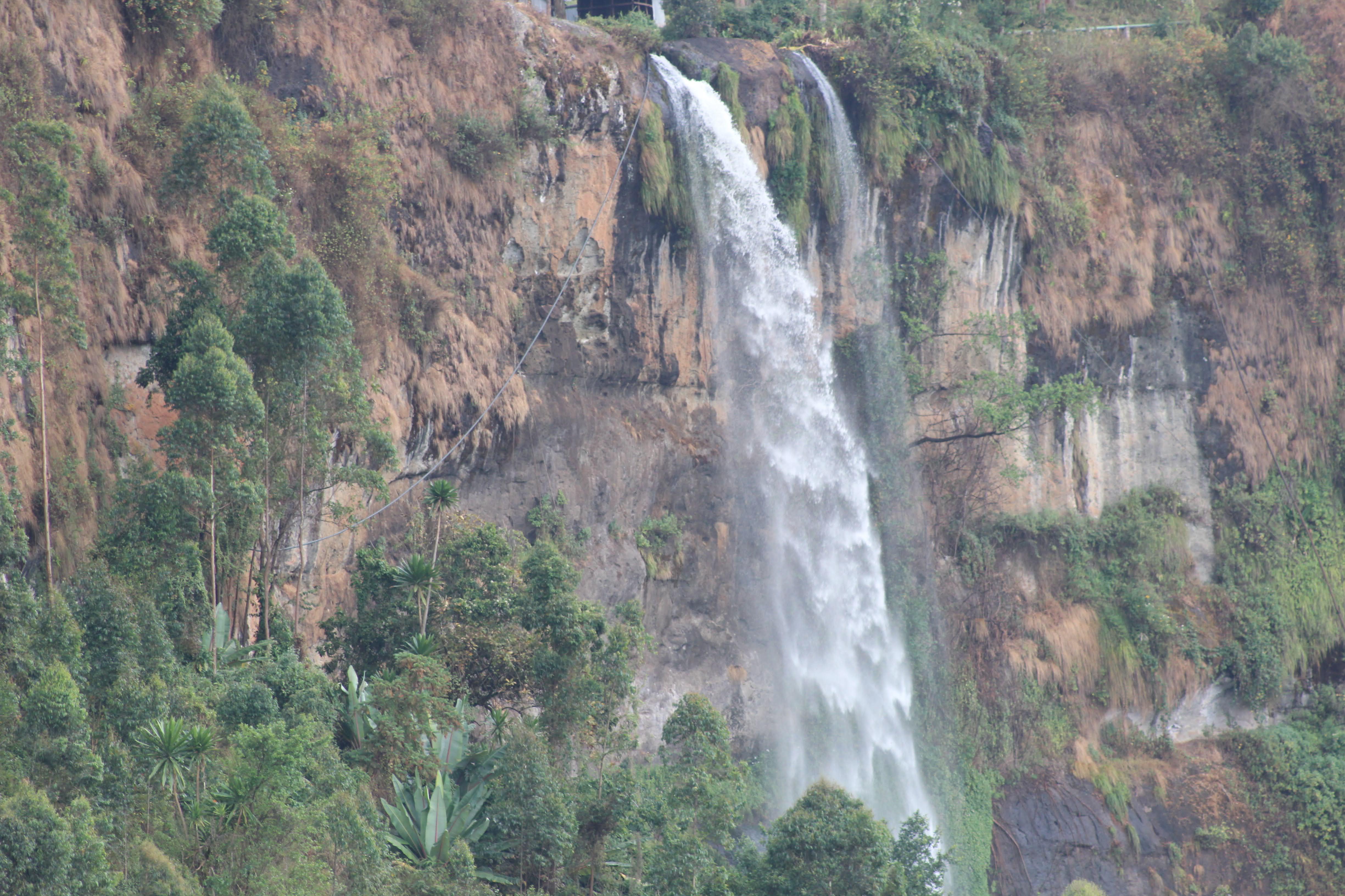 3 Days Eastern Uganda, Sipi falls Tour and Jinja adventure, Hiking, Abseiling, Jinja adventure, Source of the Nile visit
